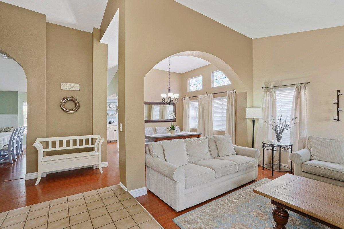 37039 Velutina Way Palmdale CA - Living room 1