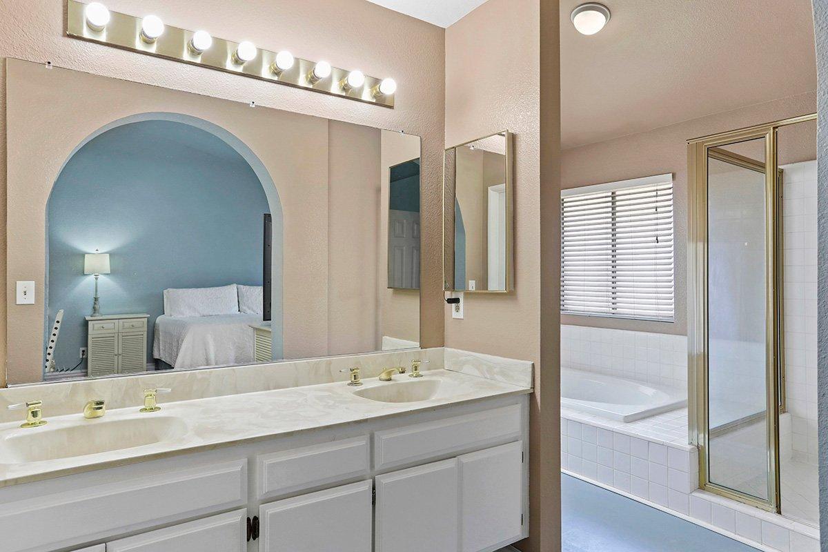 37039 Velutina Way Palmdale CA - Master Bath 1