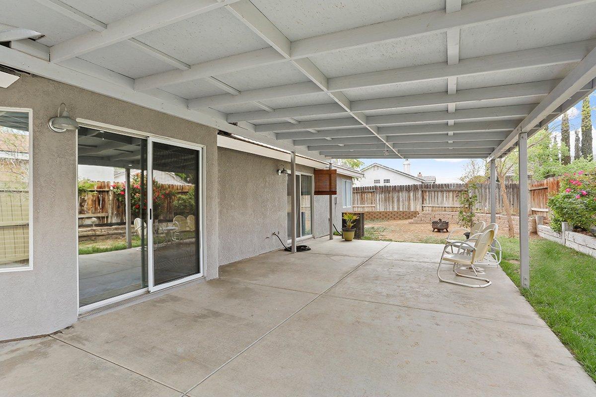 37039 Velutina Way Palmdale CA - Rear Yard 2
