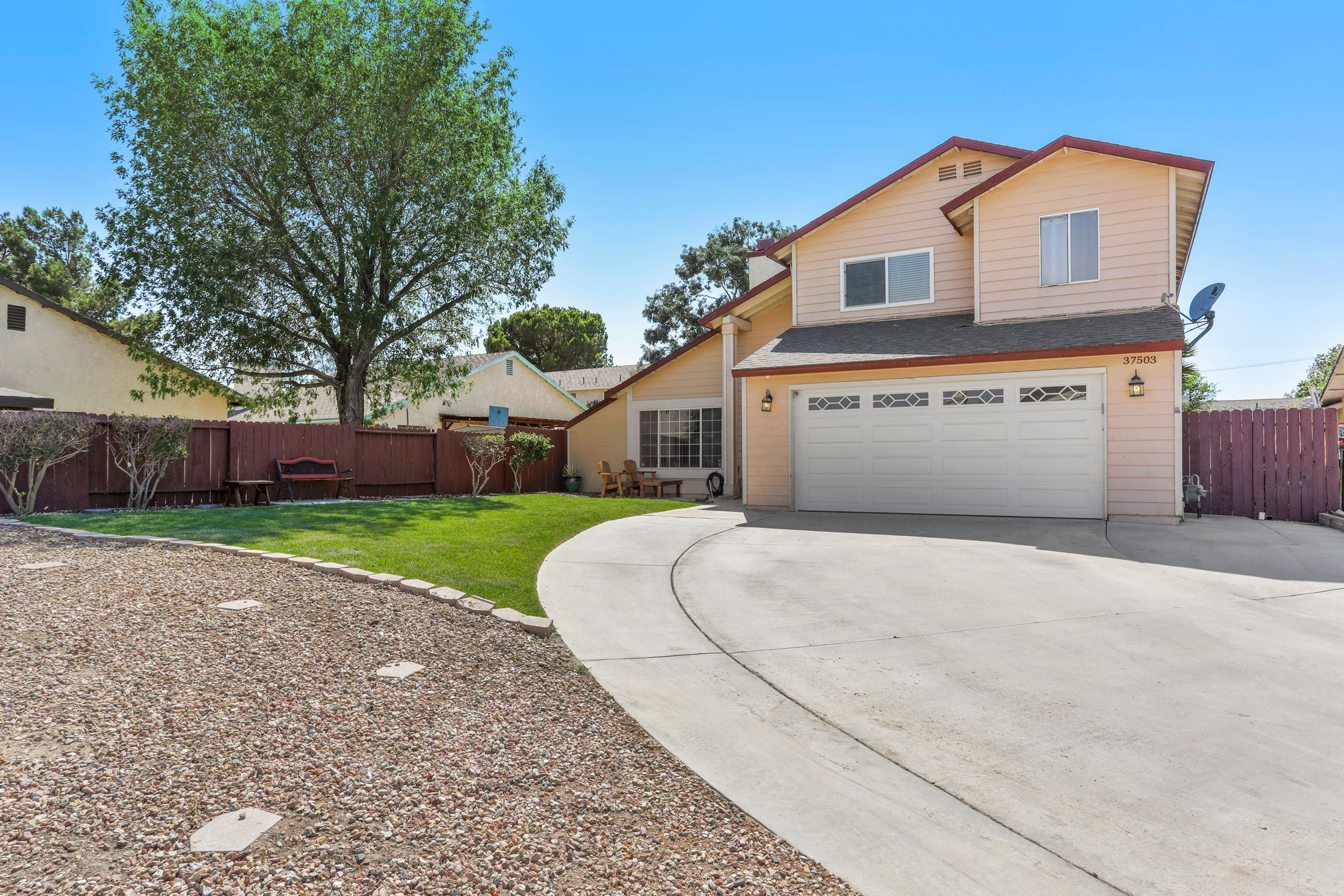 1 Palmdale Real Estate Agent Photo Front