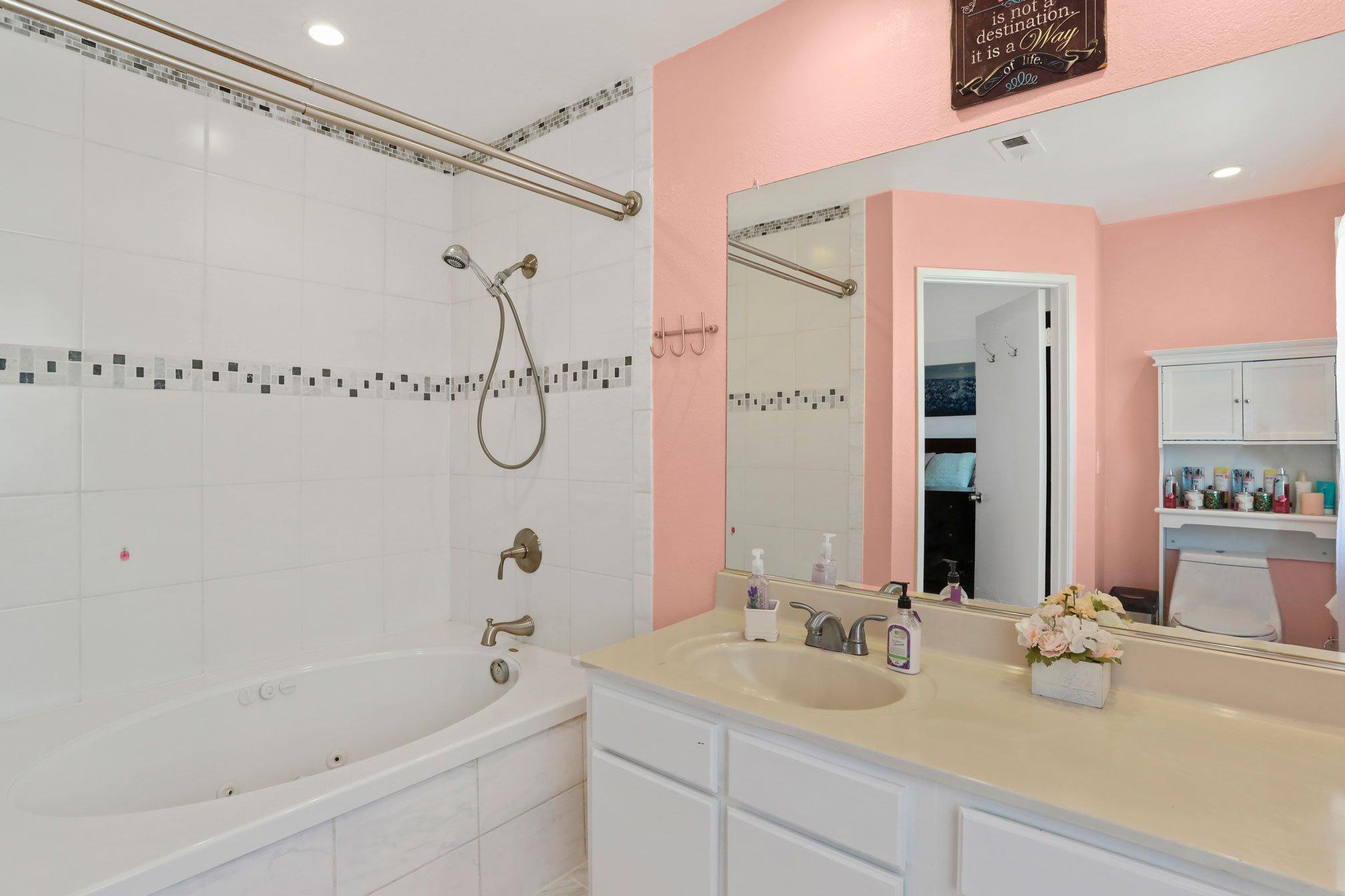 E Palmdale Real Estate Agent Photo Bath 2