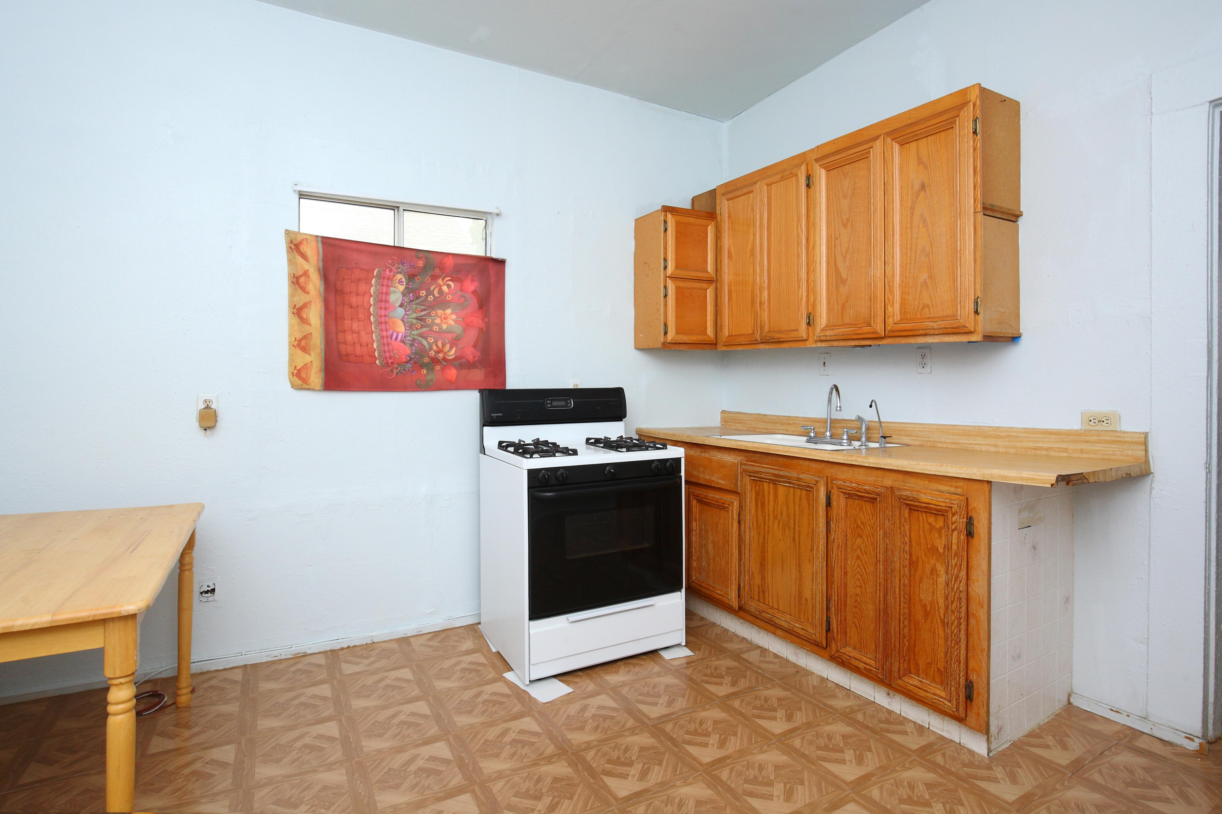 15936 L Street Mojave California kitchen