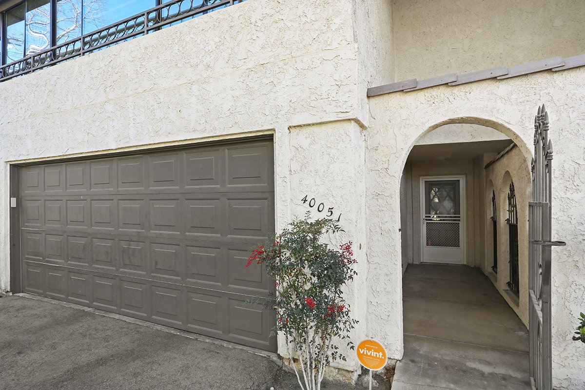 2-40051 Bluebird Lane Palmdale CA Townhome for Sale