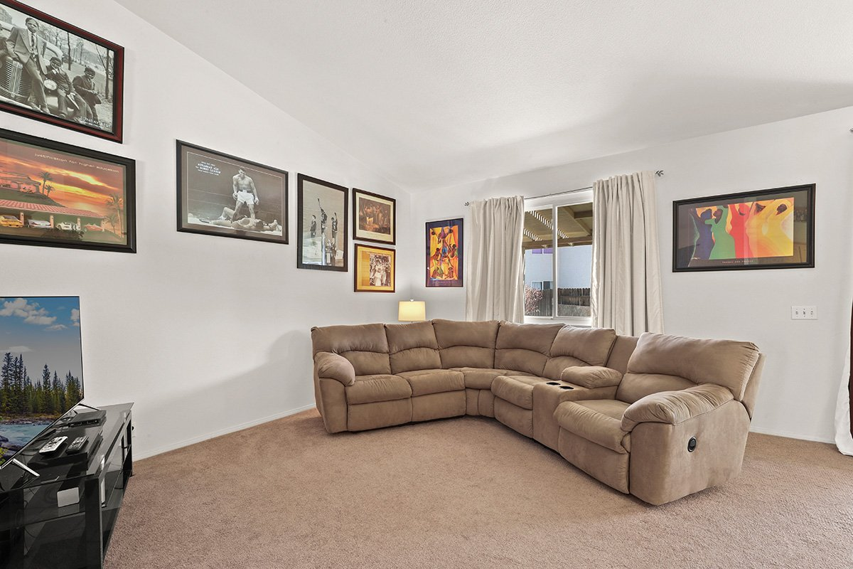 36528 Rodeo Street Palmdale CA Best Real Estate Agent couches