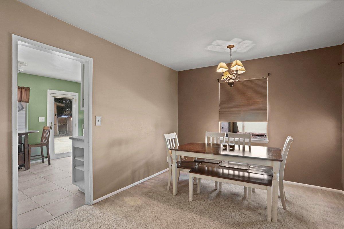 44115 Elm Avenue Lancaster CA 93534 Dining room