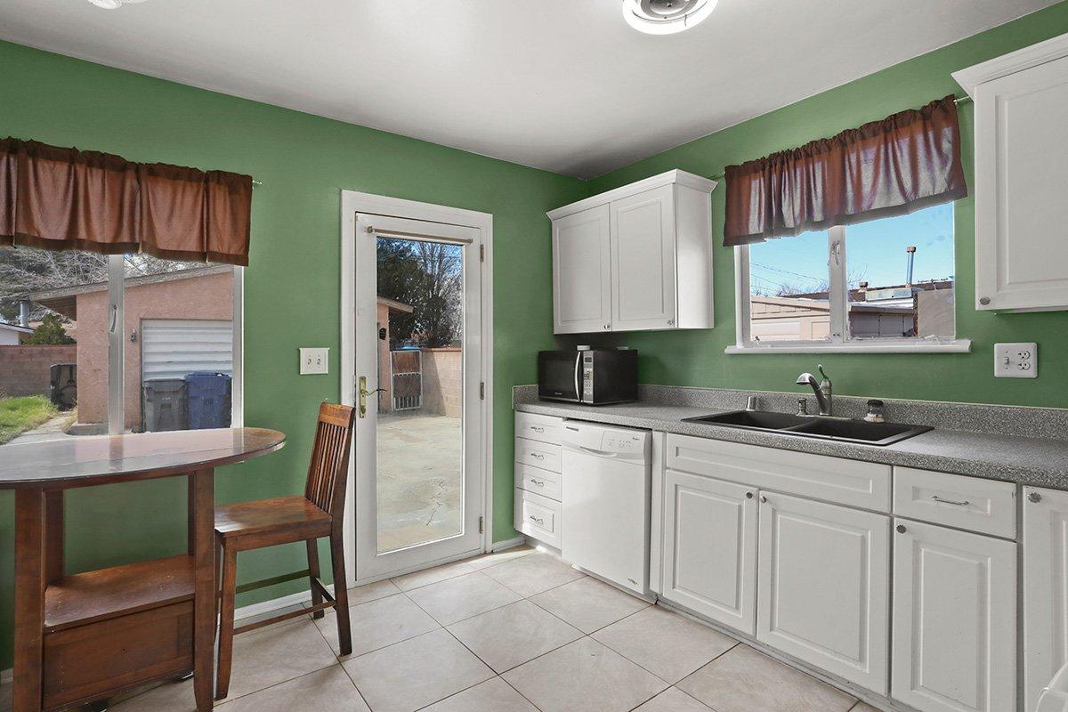 44115 Elm Avenue Lancaster CA 93534 kitchen facing backyard