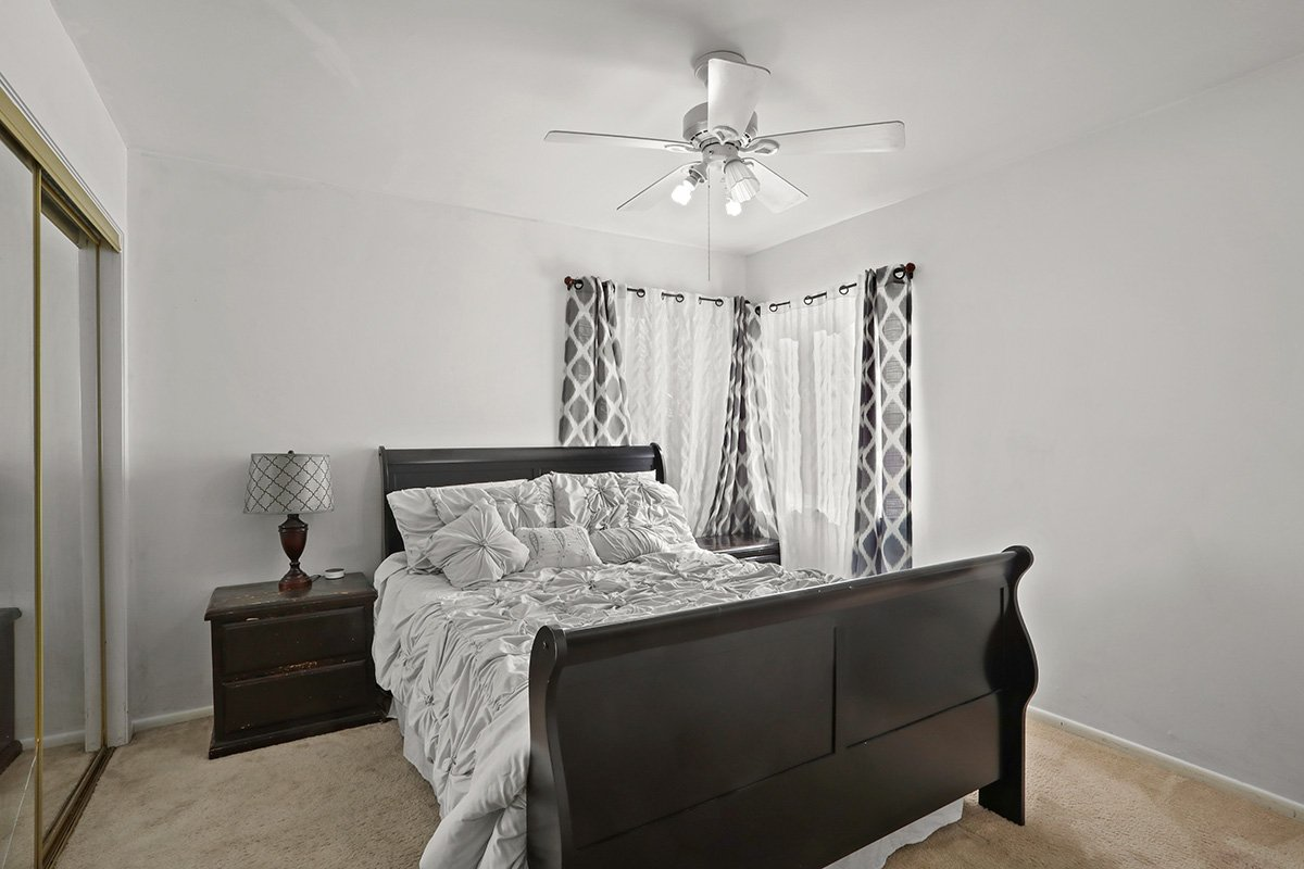 44115 Elm Avenue Lancaster CA 93534 master bedroom