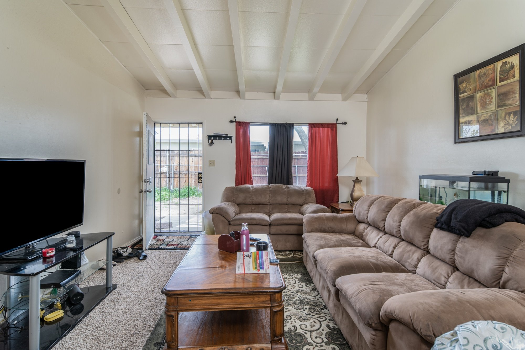 Palmdale, CA best real estate agent 557 - 559 West Avenue H 8, Lancaster, CA 93534 (living room 3)
