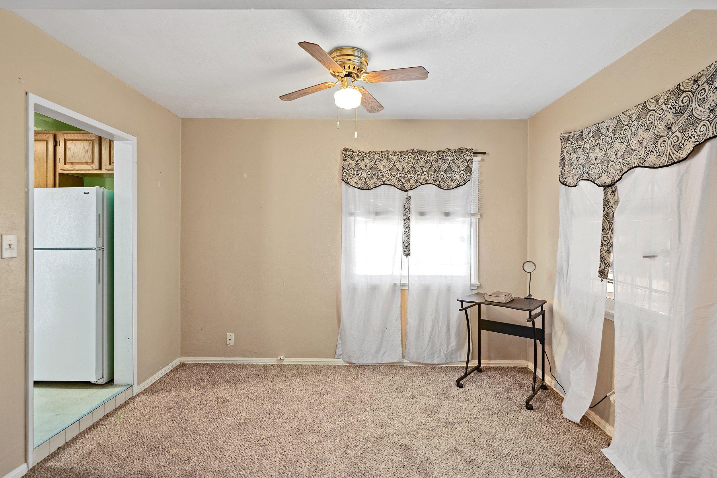 44221 Elm Avenue Lancaster CA Realtor - Dining Room