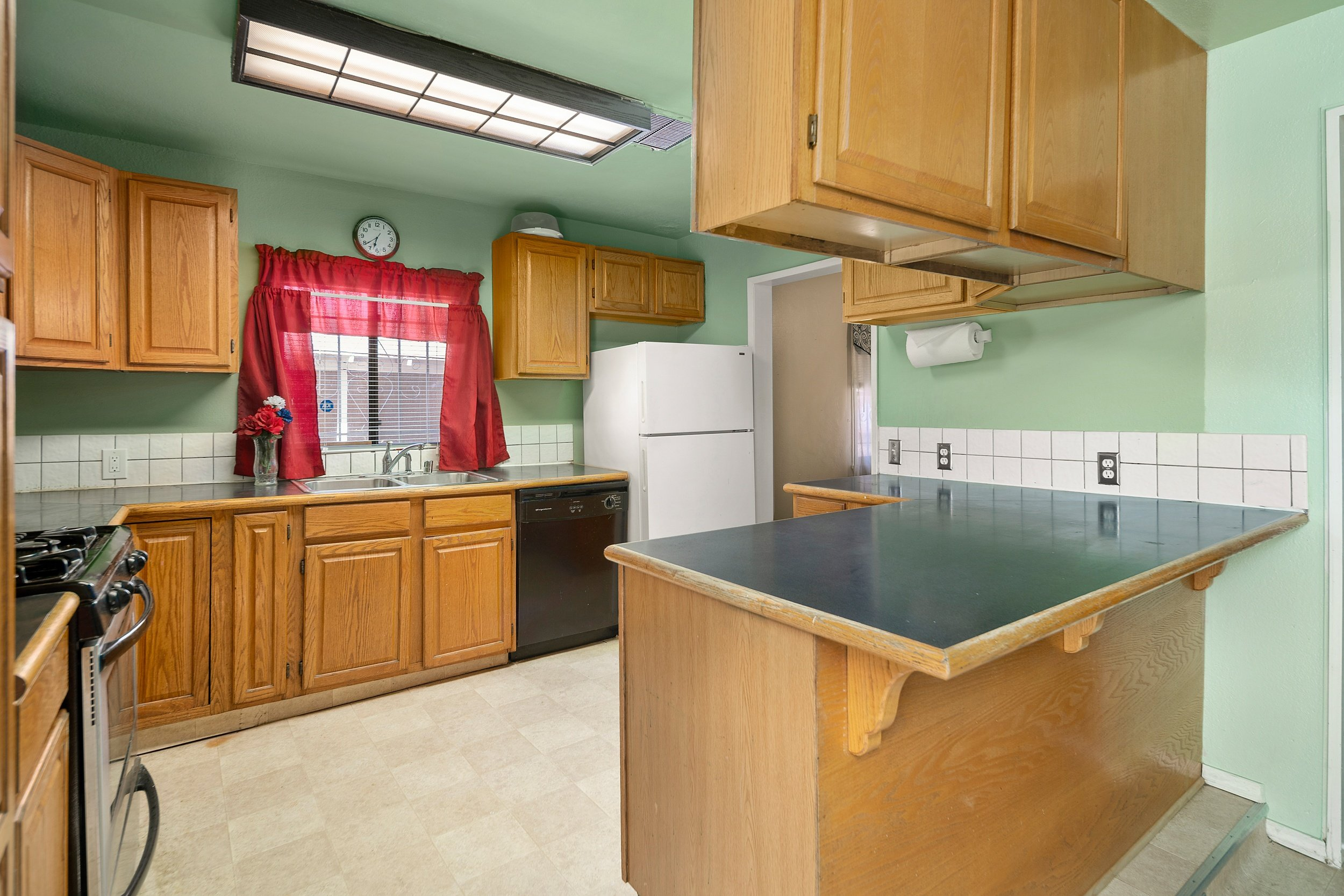44221 Elm Avenue Lancaster CA Realtor - Kitchen 1