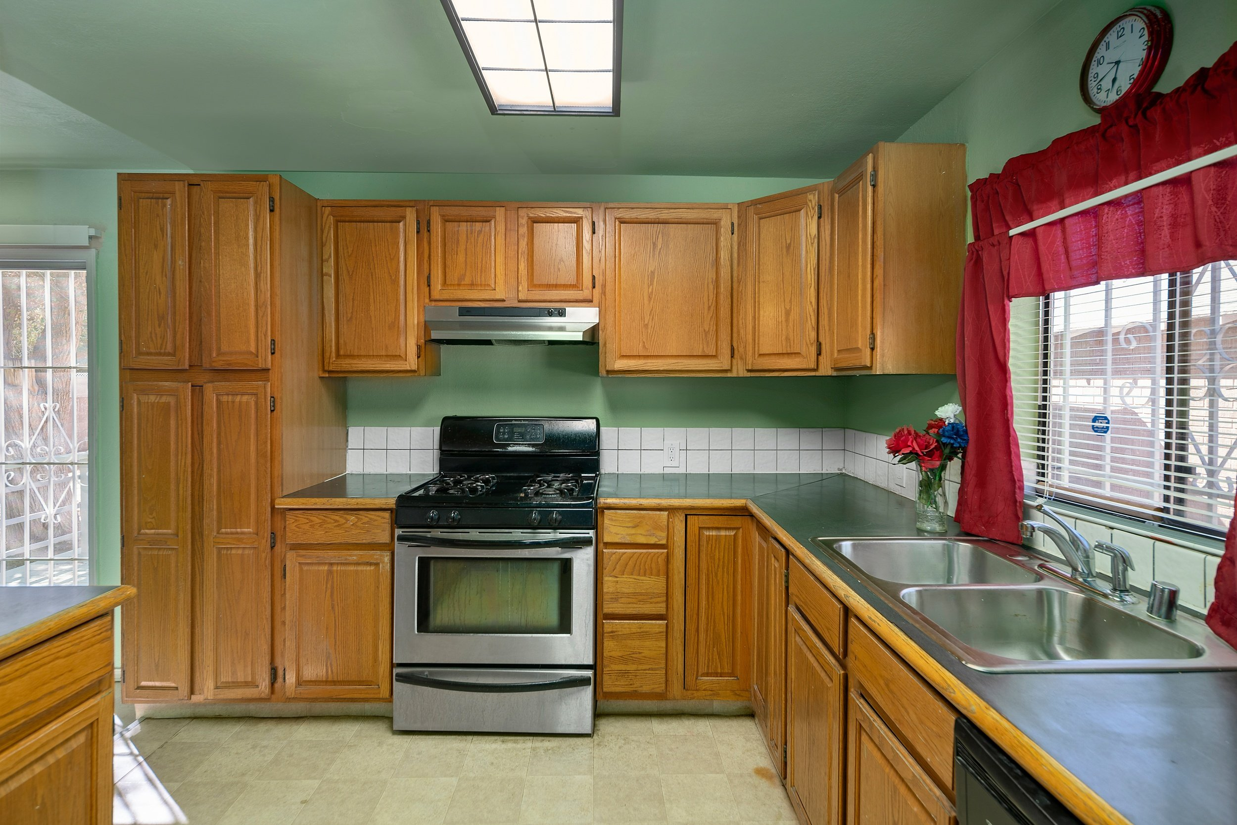 44221 Elm Avenue Lancaster CA Realtor - Kitchen 2