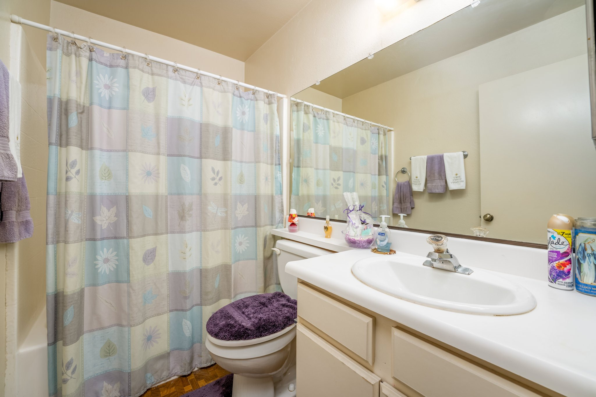 509 Hilltop Terrace Palmdale Real Estate Bathroom One
