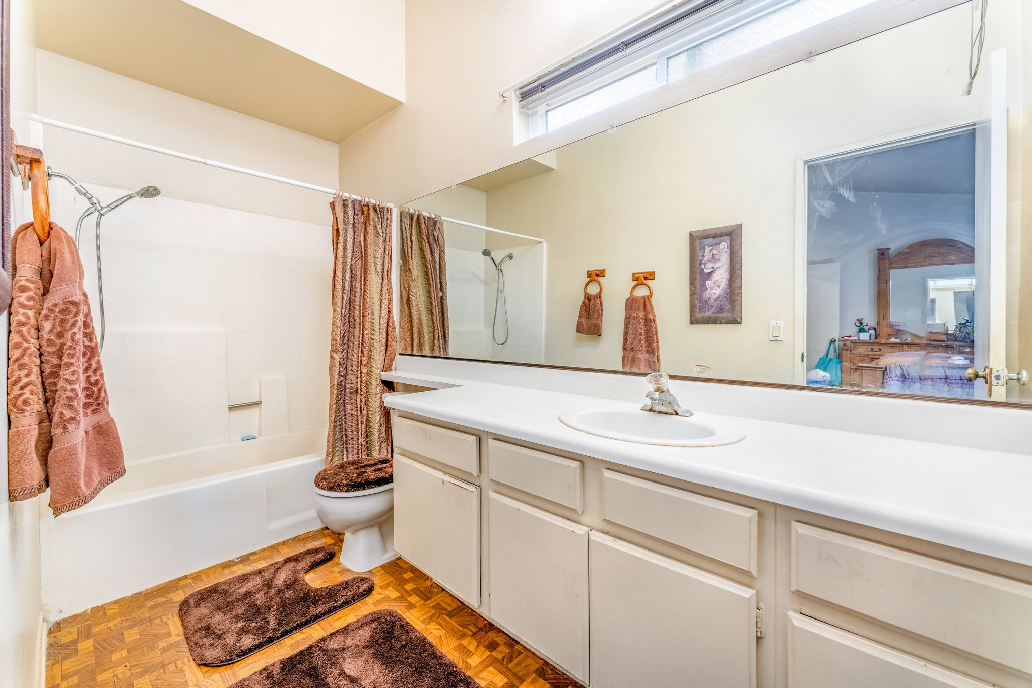 509 Hilltop Terrace Palmdale Real Estate Bathroom Two