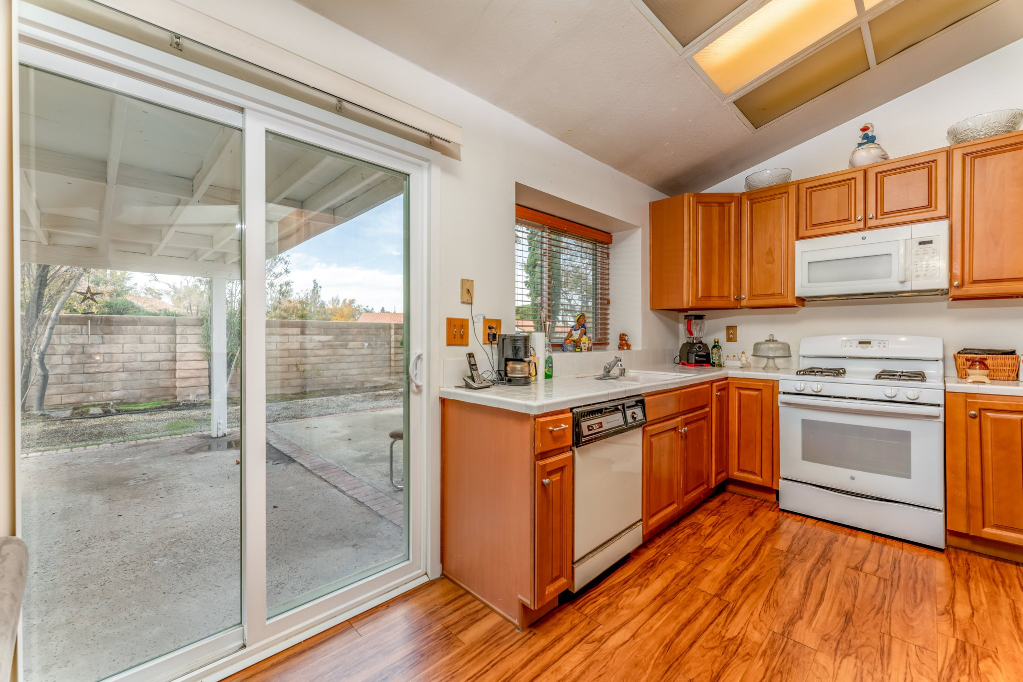 509 Hilltop Terrace Palmdale Real Estate Covered Patio
