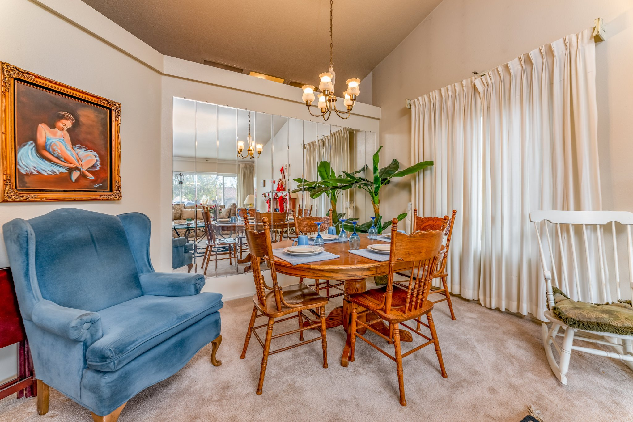 509 Hilltop Terrace Palmdale Real Estate Dining Room