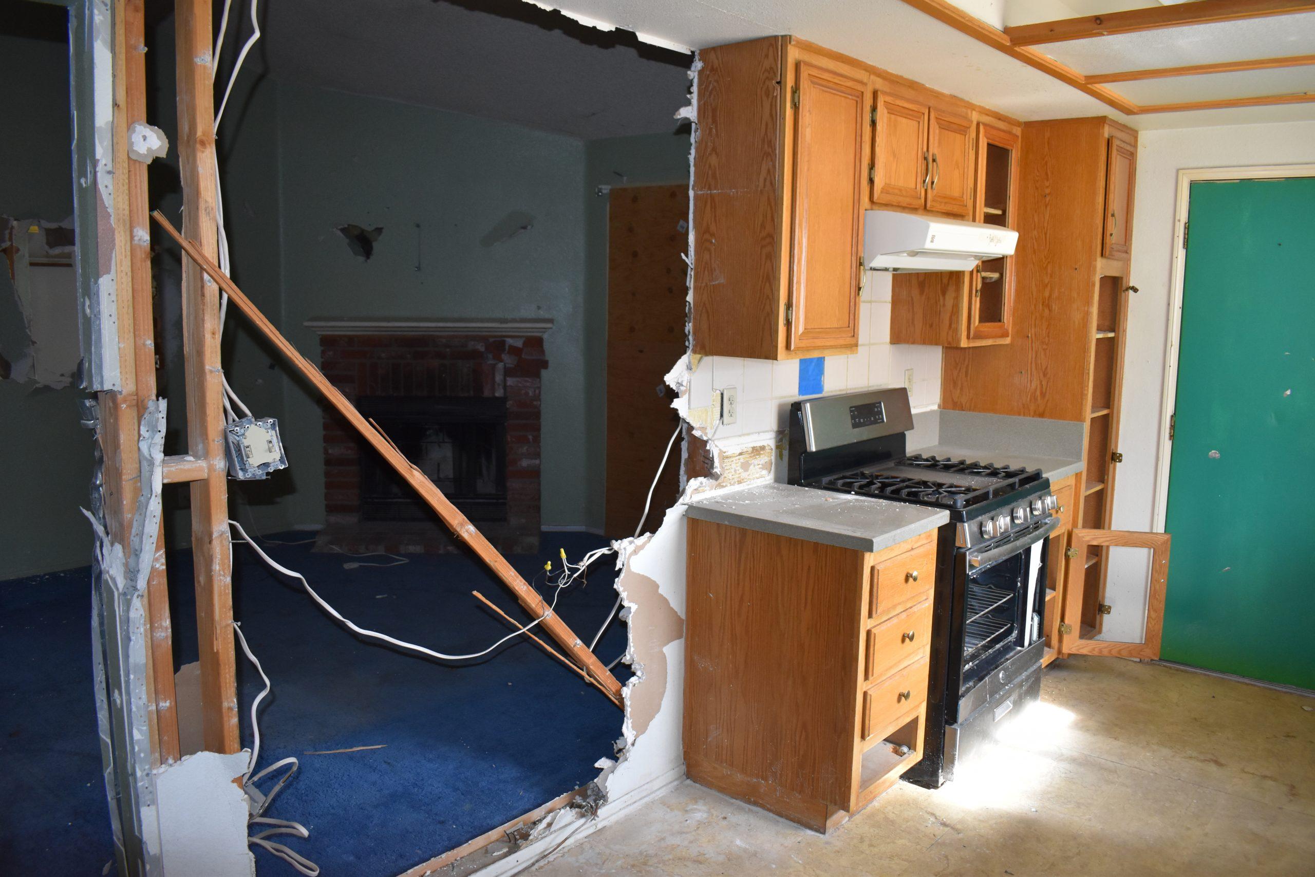 38038 Raintree Lane Kitchen to Living