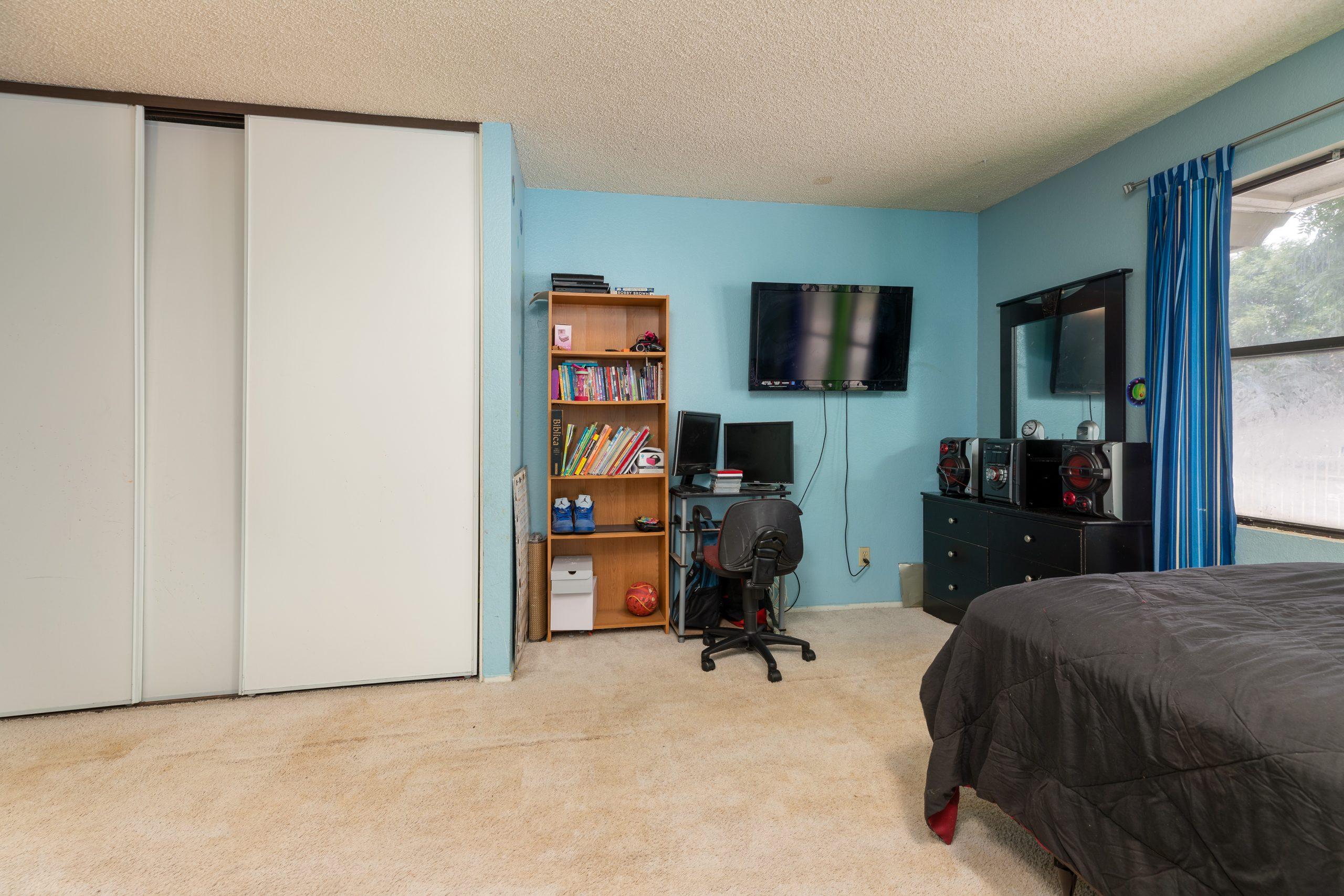 10 bedroom 1 37518 29th Street East Palmdale CA