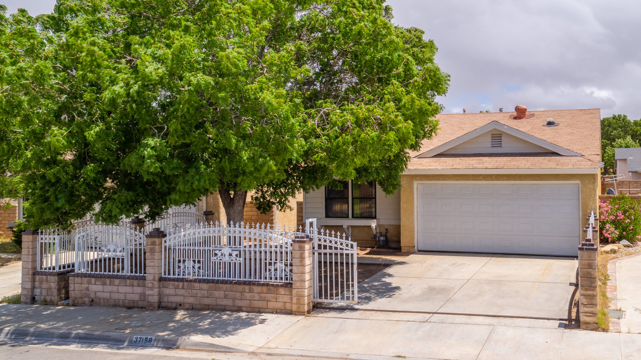1a Front 37518 29th Street East Palmdale CA