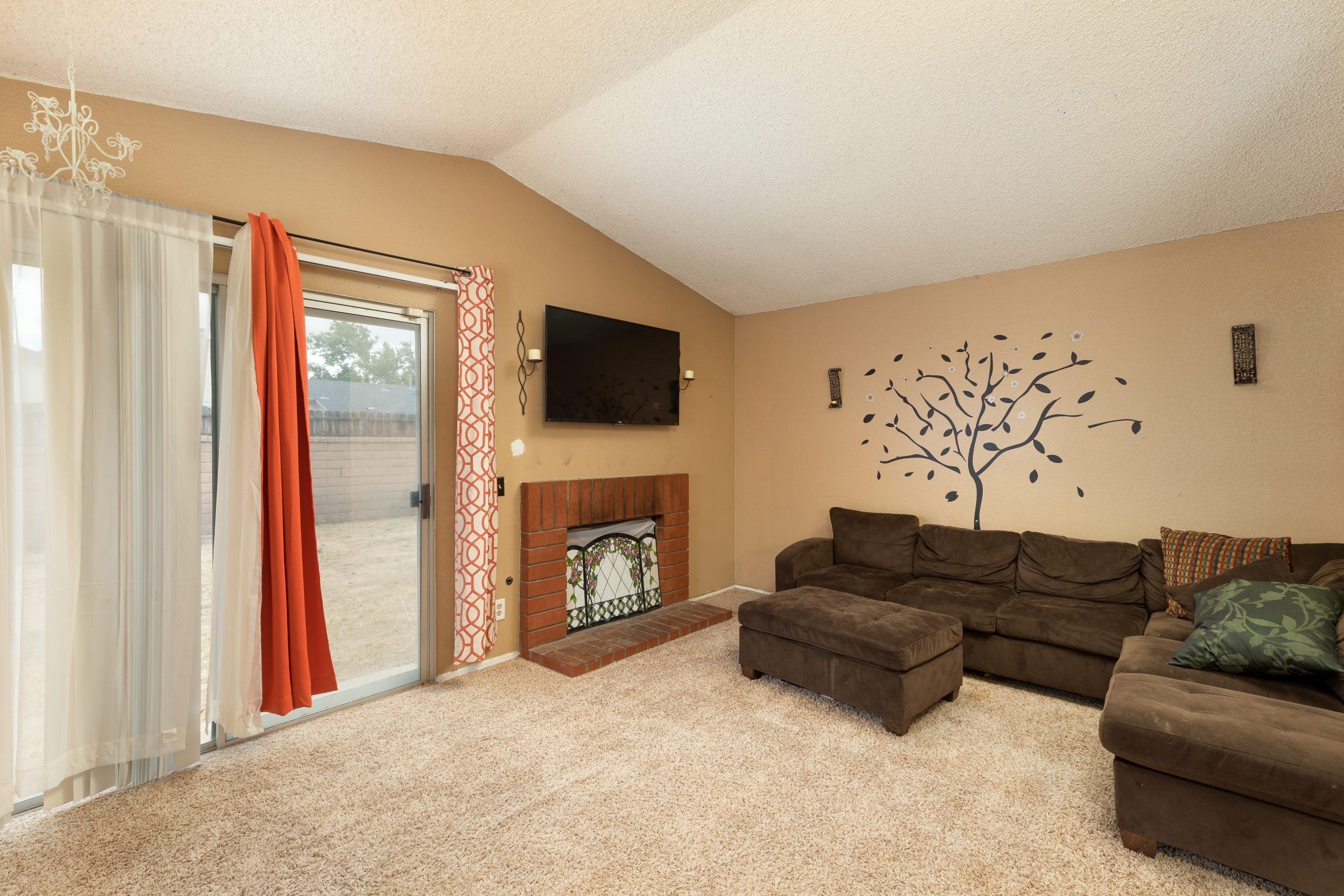 5 Living Room 37518 29th Street East Palmdale CA