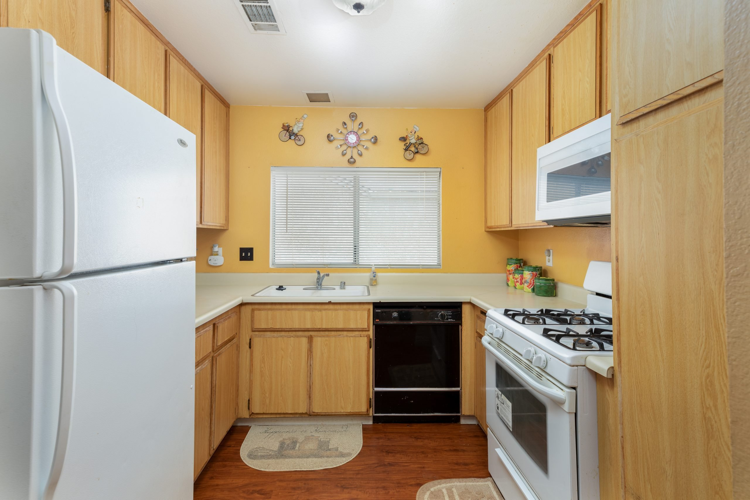 8-Kitchen-37518-29th-Street-East-Palmdale-CA