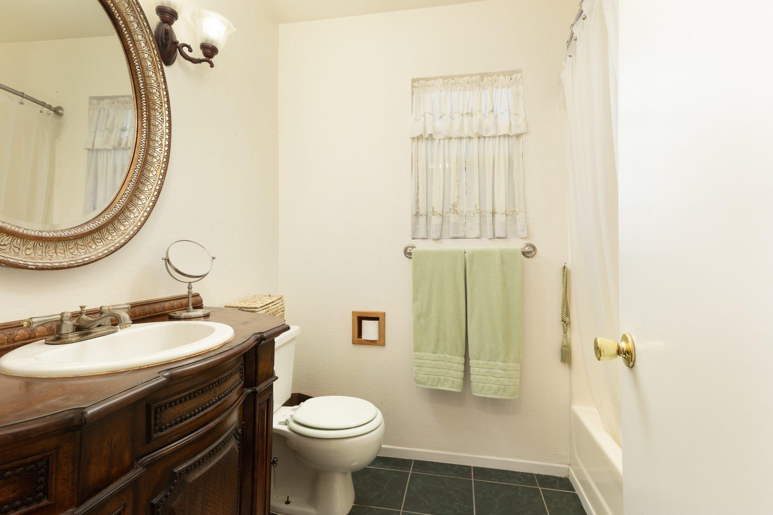 Palmdale CA Real Estate 37128 Marye Margo Circle Palmdale Bathroom One