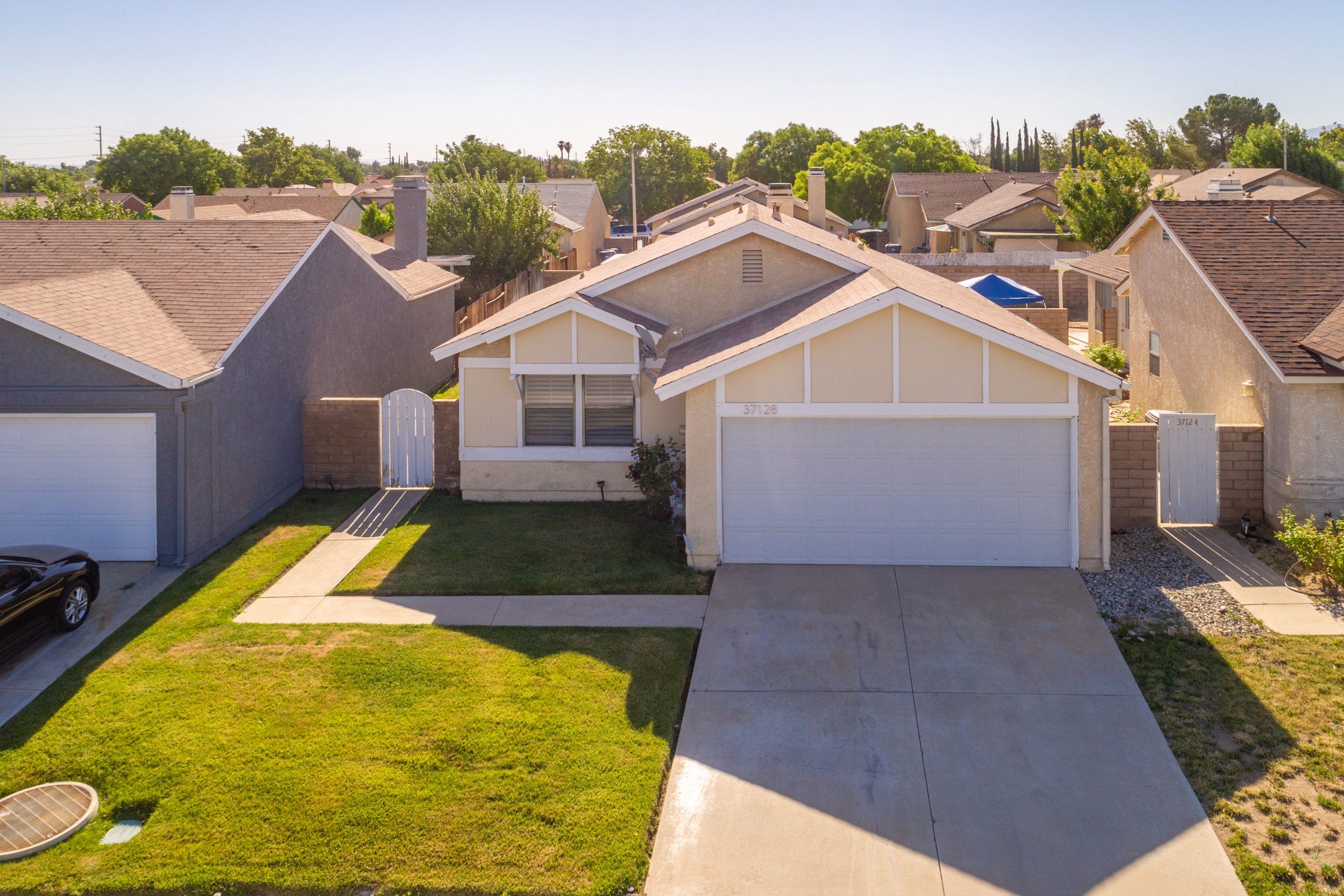 Palmdale CA Real Estate 37128 Marye Margo Circle Palmdale Front