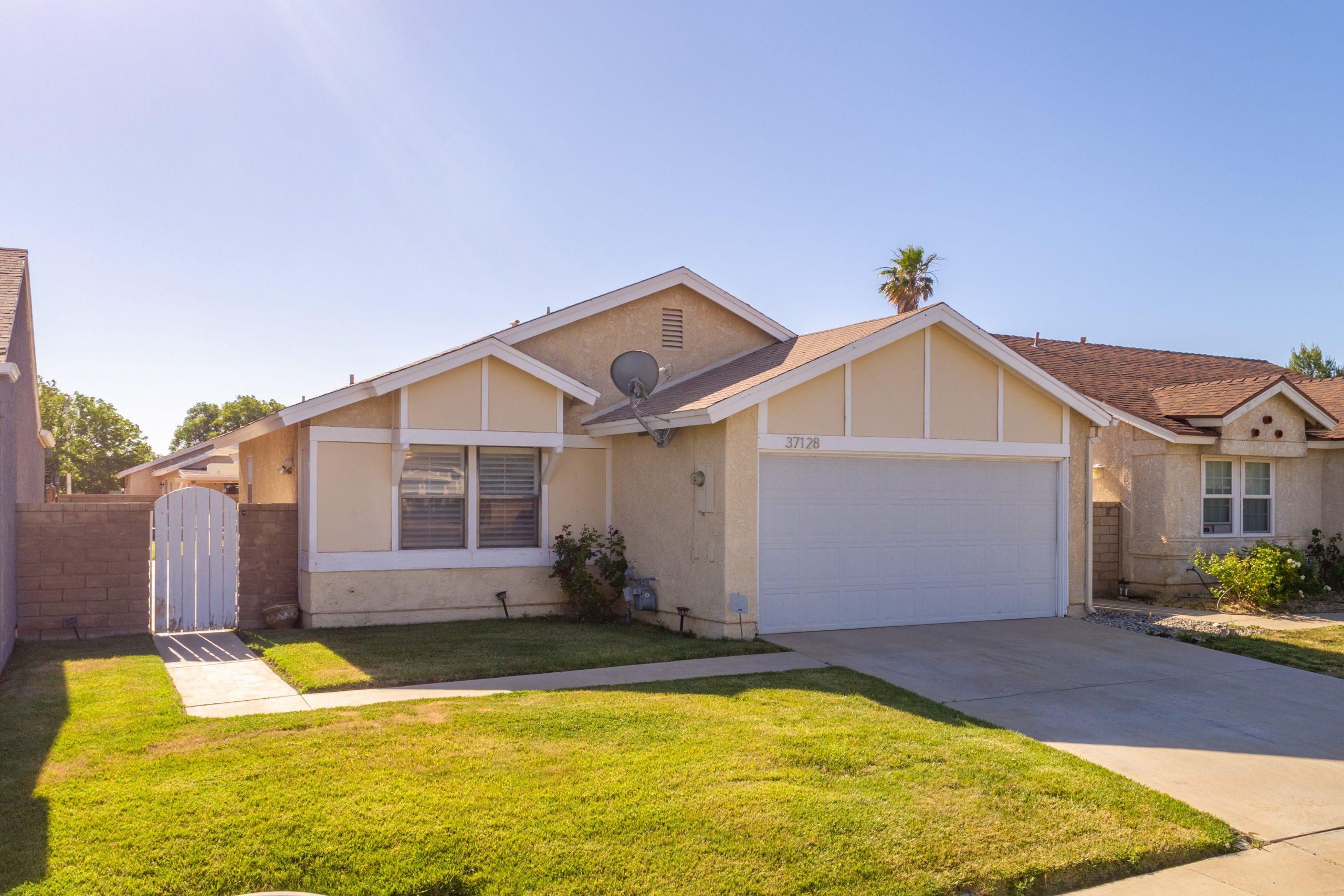 Palmdale CA Real Estate 37128 Marye Margo Circle Palmdale Left